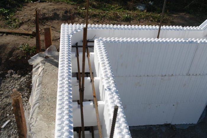 Вариант использования несъемной опалубки при строительстве дома