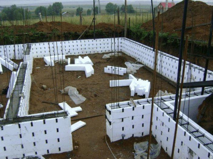 Вариант строительства дома из несъемной опалубки