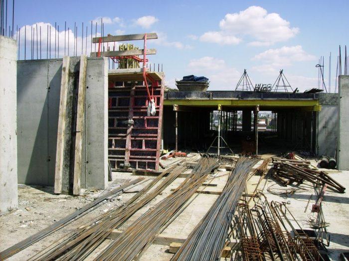 Вариант использования опалубки на строительстве