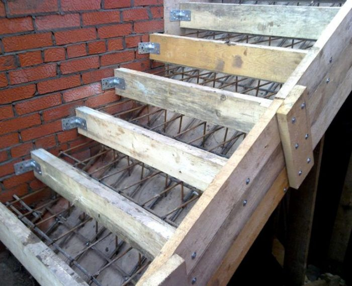 Вариант опалубки для лестницы