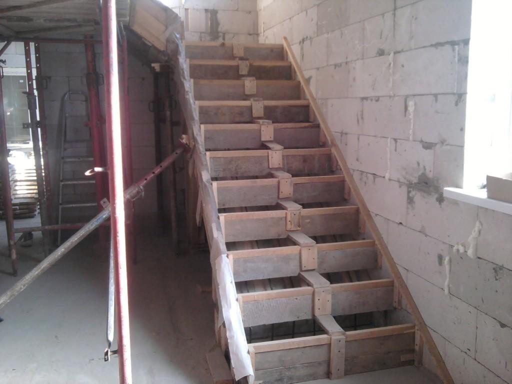 опалубка для лестниц