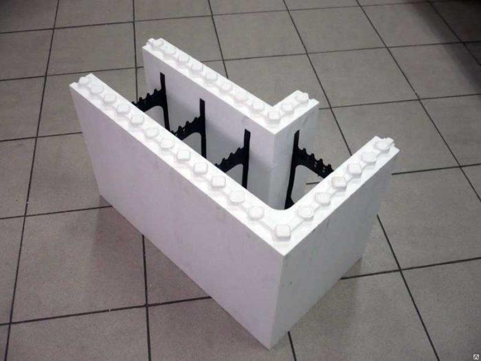 Угловой элемент опалубки