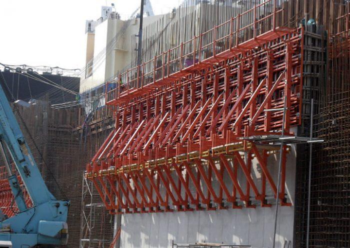 Использование подъемно-переставной опалубки для монолитного строительства